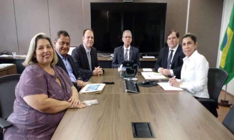 Reitor se reúne com presidente da Ebserh