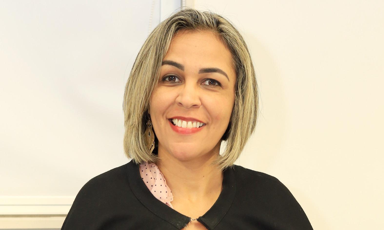 Servidora recebe título de Doutorado em Portugal