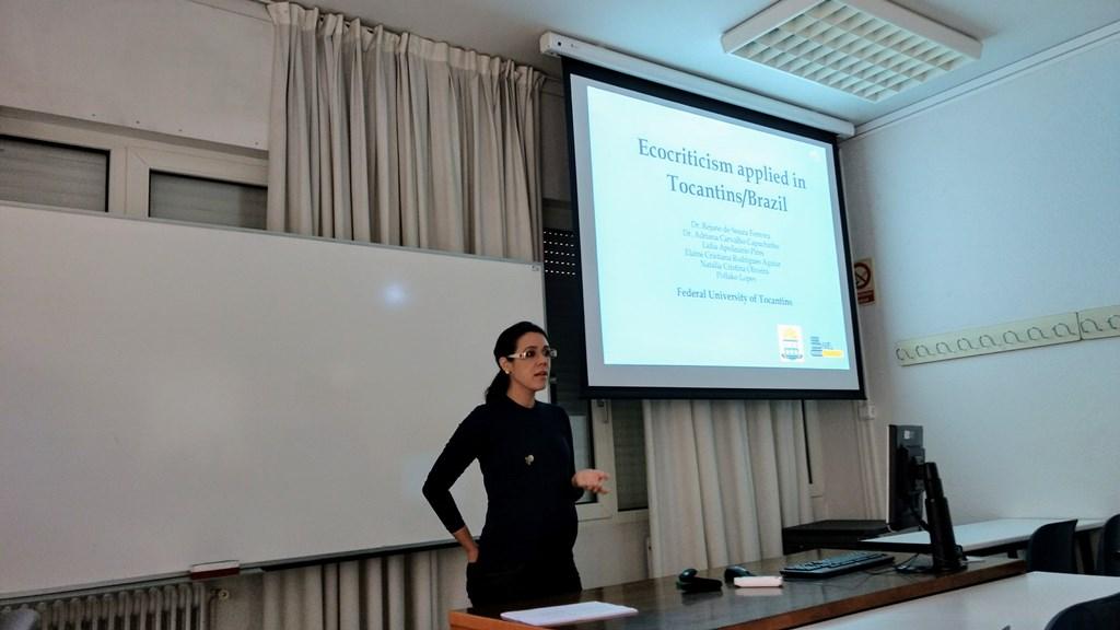 Docente de Porto Nacional realiza palestra na Espanha
