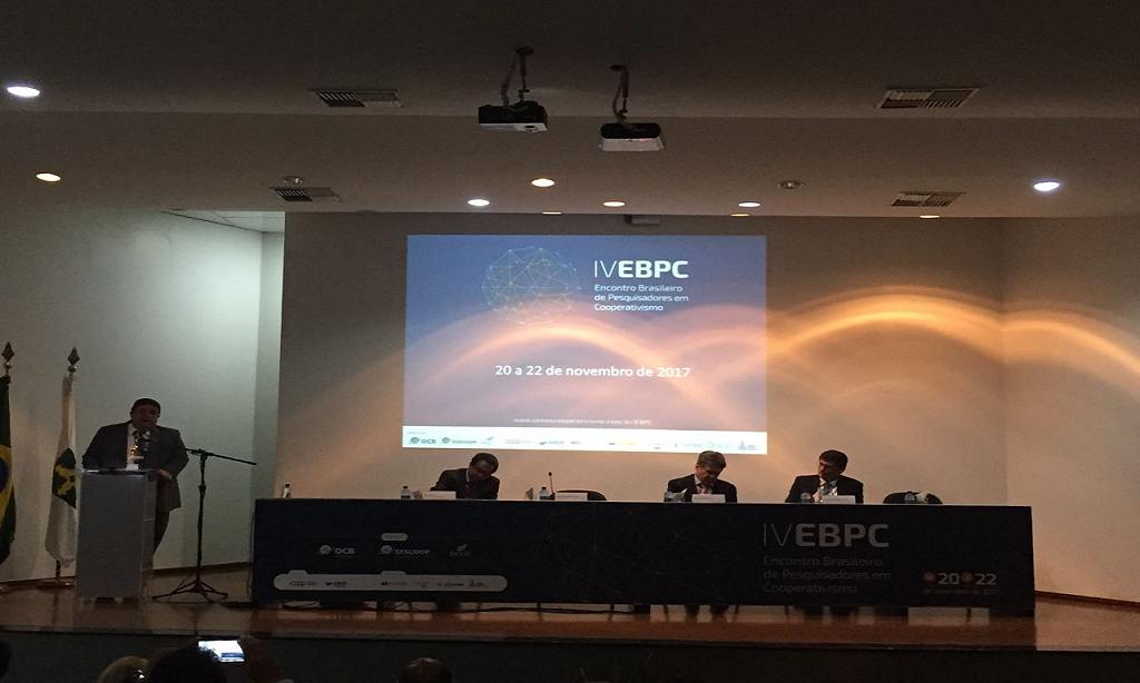 Docentes da UFT participam de evento sobre Cooperativismo