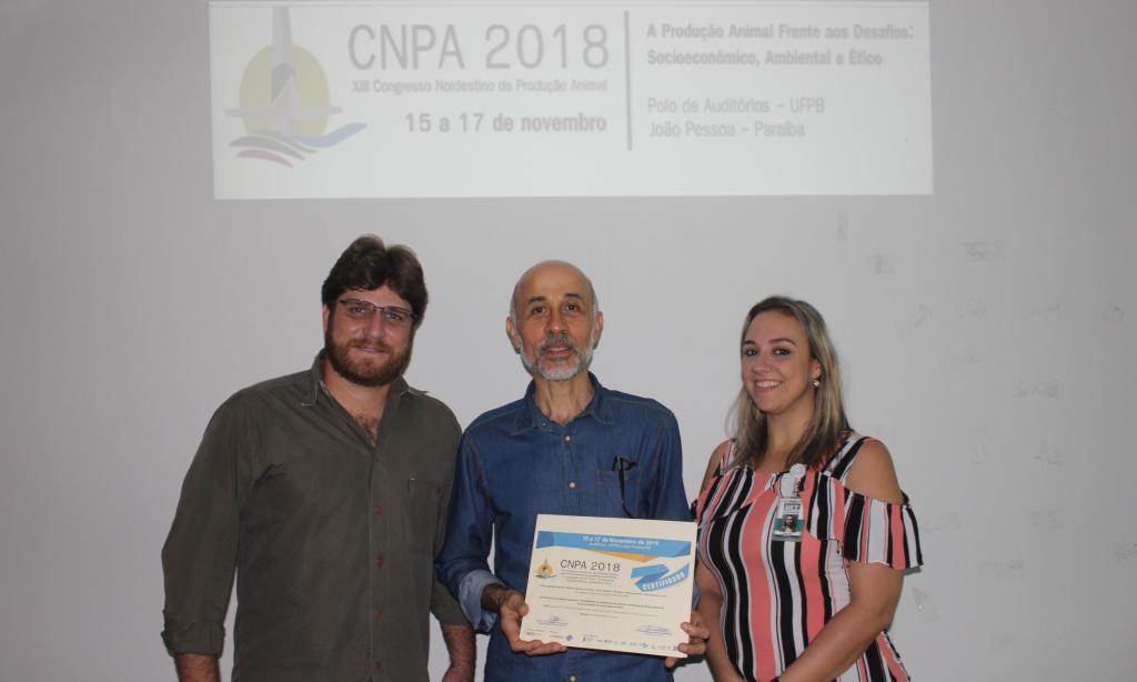Docentes de Araguaína recebem Menção Honrosa em evento