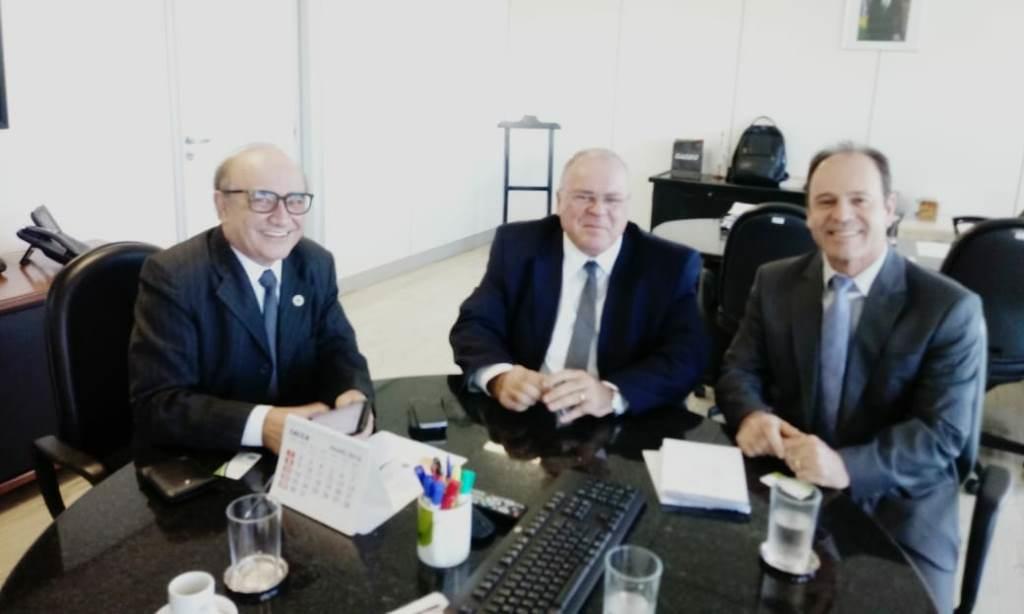Reitor cumpre agenda em Brasília no Ministério da Saúde