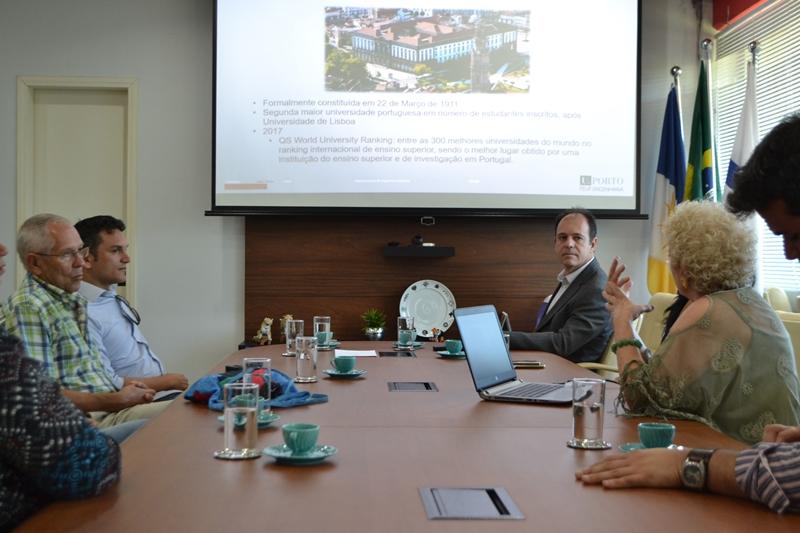 Eduardo Bovolato recebe professores da Universidade do Porto