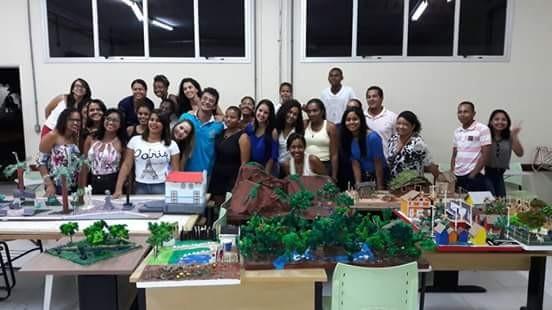 Apresentação de maquetes no curso de Pedagogia em Arraias
